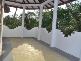 Shine Park Guest House Yala Sri Lanka