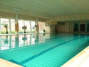 New Phoenix Town Hotel Shanghai - Swimming Pool