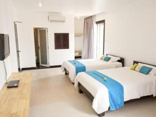 Hotel Cara Phnom Penh - Luxury Twin with Balcony Room