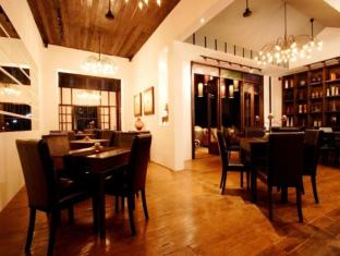 Manathai Village Hotel Chiang Mai - Food, drink and entertainment