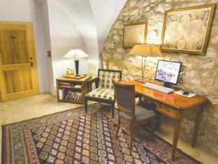 The Golden Wheel Boutique Hotel Prague - Internet point