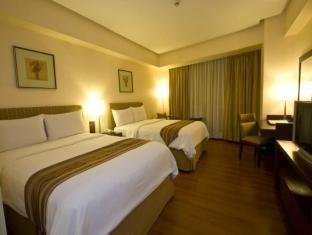 Crown Regency Hotel & Towers - Room type photo