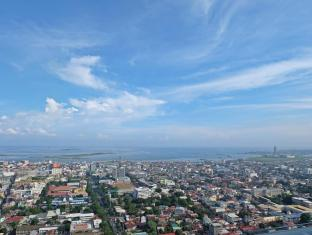 Crown Regency Hotel & Towers Cebu City - View