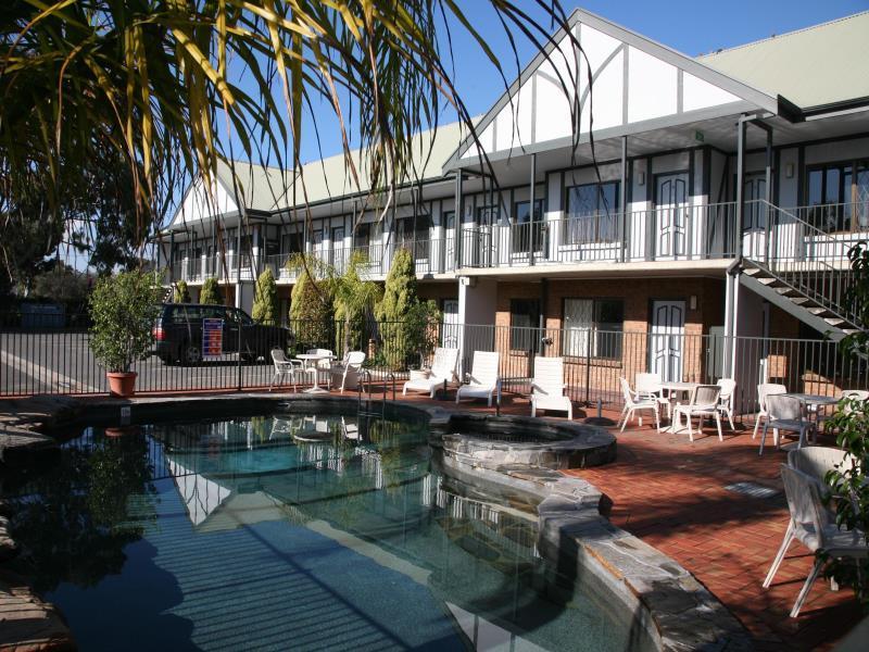 Country Comfort Hotel Adelaide Manor - Hotell och Boende i Australien , Adelaide