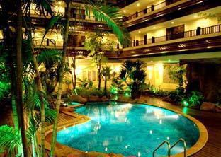 Nirvana Place Hotel Pattaya - Swimming Pool