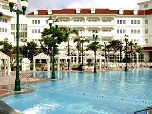 Hong Kong Disneyland Resort Hong Kong - Swimming Pool