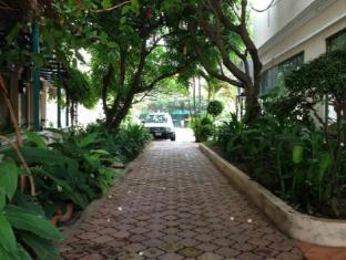 Imperial Garden Villa & Hotel Phnom Penh - Balcony/Terrace