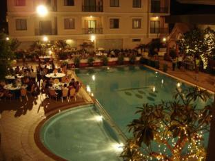 Imperial Garden Villa & Hotel Phnom Penh - Poolside