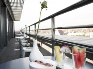 Hotel Ku'Damm 101 Berlijn - Balkon/Terras