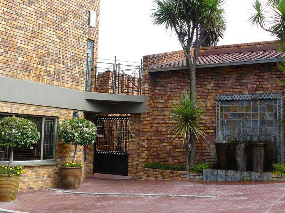 Chateau Vue Guesthouse - Hotels and Accommodation in South Africa, Africa