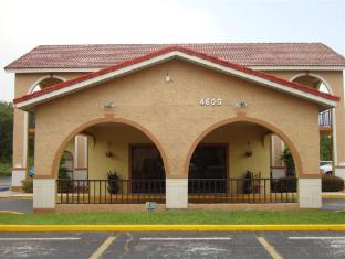Goldstar Inn and Suites Kissimmee