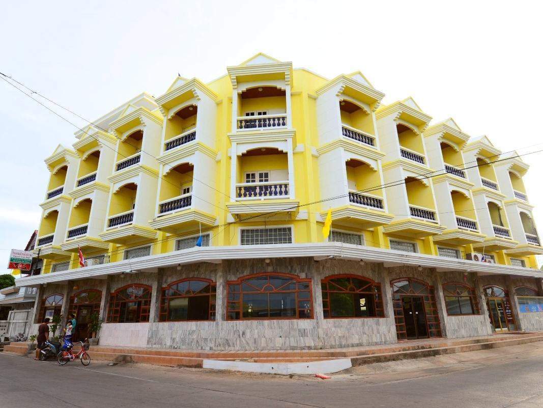 Paknampran Hotel - Hotels and Accommodation in Thailand, Asia
