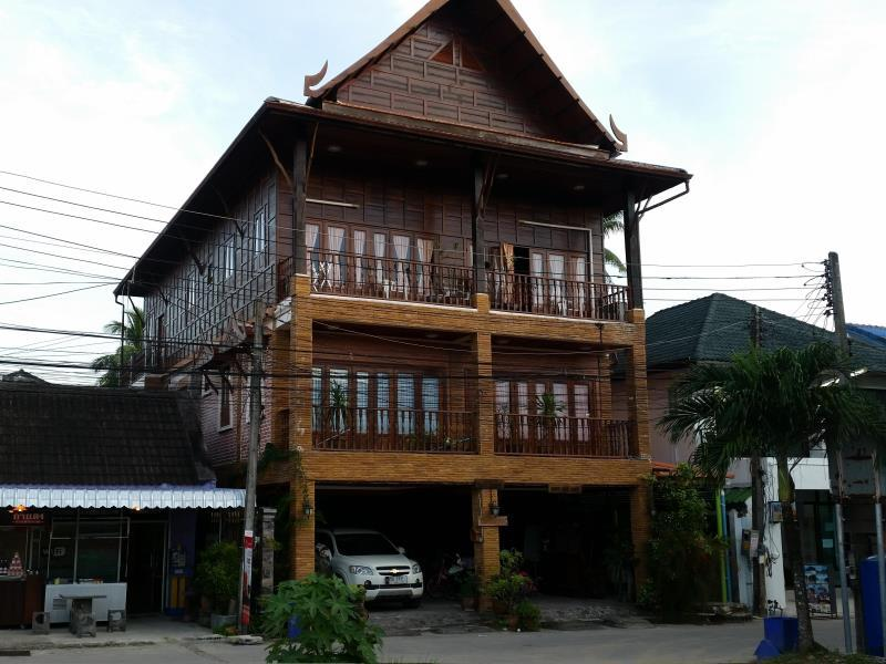 Beau and Blonde House Kamala - Hotell och Boende i Thailand i Asien