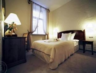 Savoy Boutique Hotel טלין - סוויטה