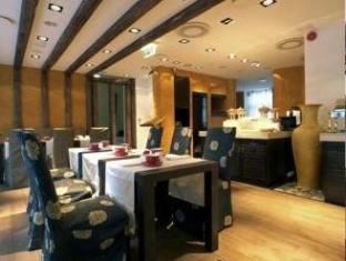 Savoy Boutique Hotel טלין - מסעדה