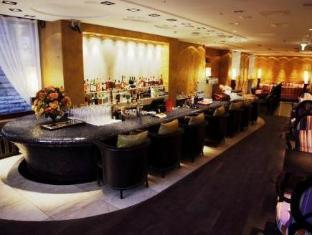 Savoy Boutique Hotel טלין - בר/טרקלין