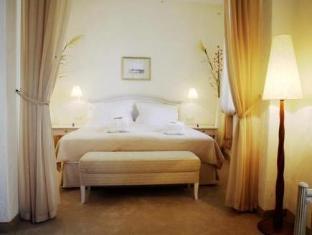Savoy Boutique Hotel טלין - חדר שינה
