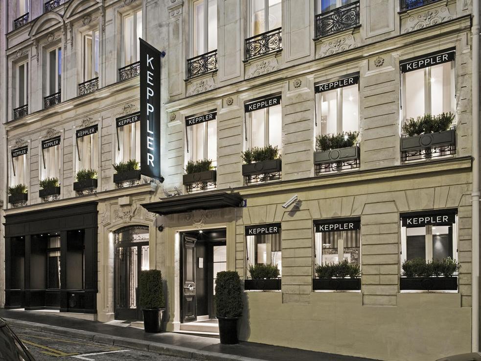 Keppler Hotel - Hotell och Boende i Frankrike i Europa