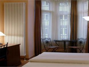 City Hotel West Frankfurt am Main - Suite Room
