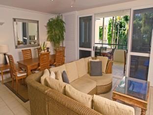 Mandalay Luxury Beachfront Apartments - Room type photo