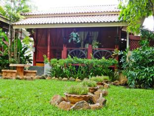 Kata Country House Hotel Phuket - Wood Bungalow with Garden view