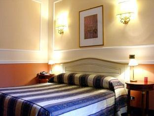 Antico Palazzo Rospigliosi Hotel Rooma - Hotellihuone