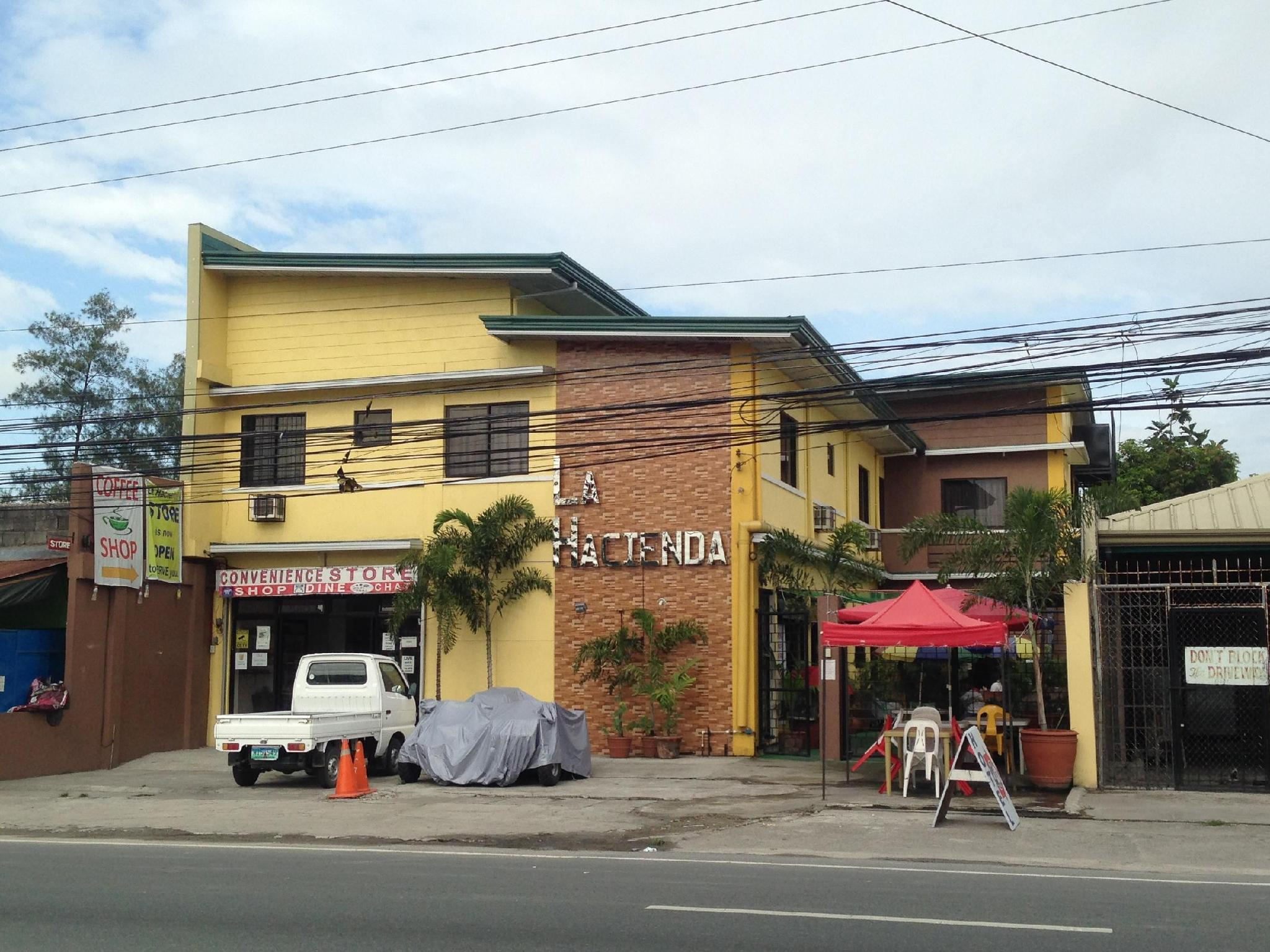 La Hacienda Inn and Dormitories - Hotels and Accommodation in Philippines, Asia