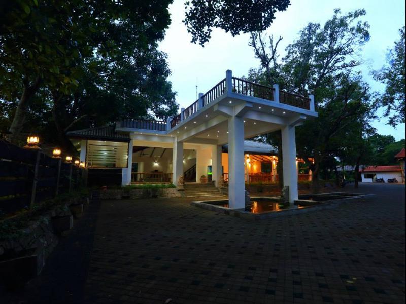 Royal Retreat Sigiriya - Hotels and Accommodation in Sri Lanka, Asia