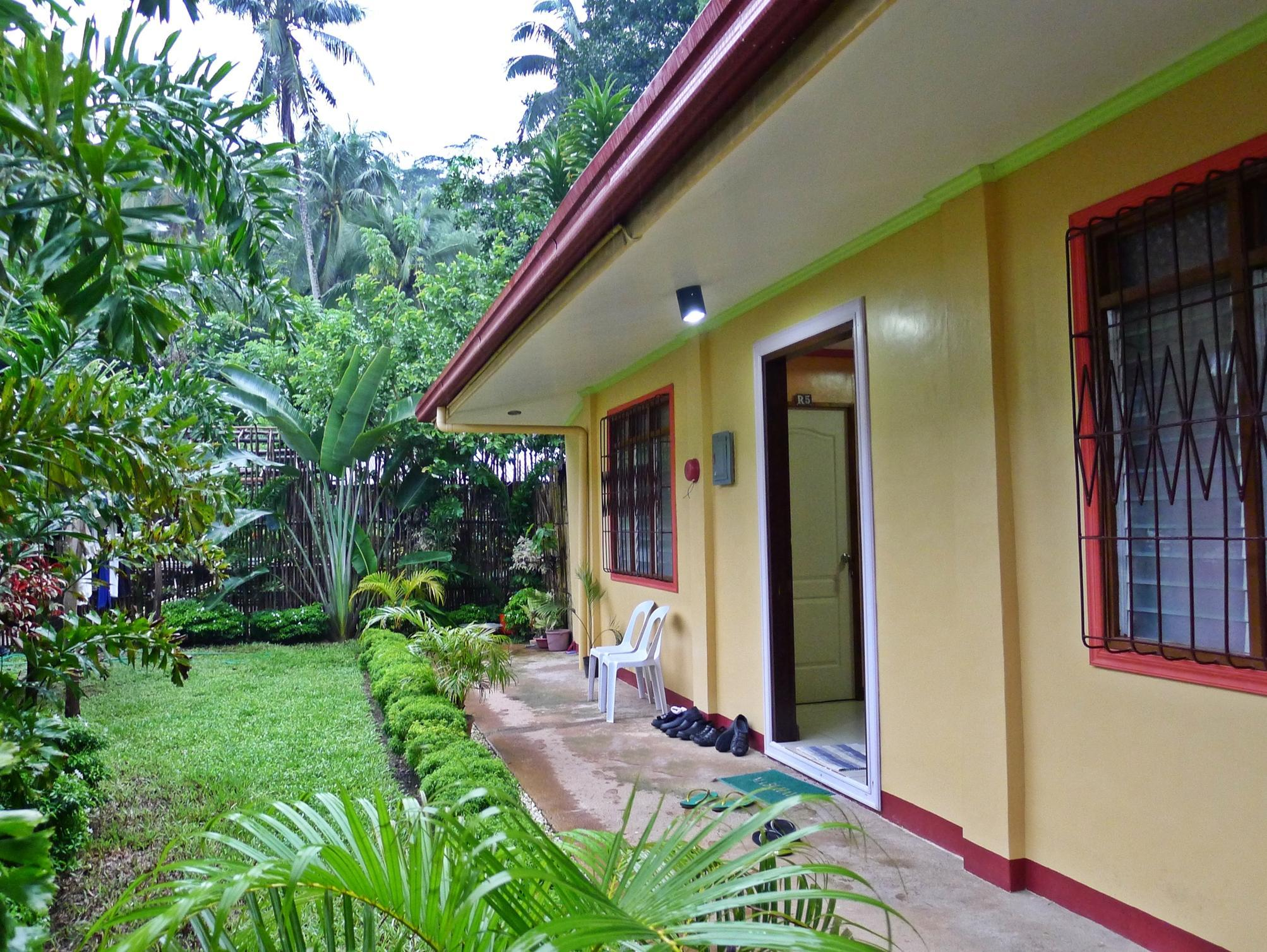 Amos Digue Pension House - Hotels and Accommodation in Philippines, Asia