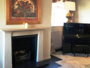 Best Western Barons Court Hotel Walsall - Fire Place