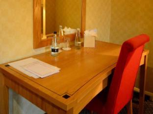Best Western Barons Court Hotel Walsall - Bedroom