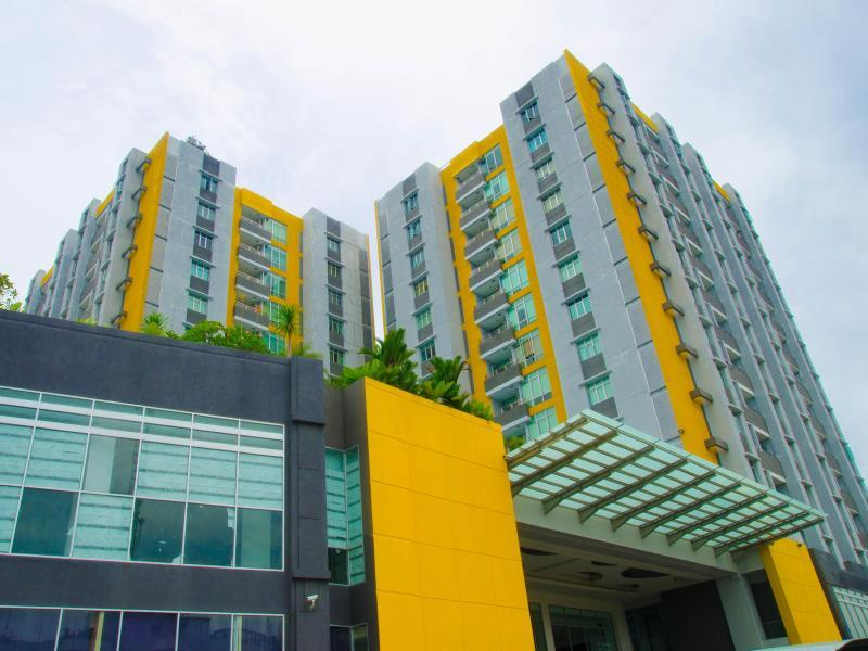 Royal Suite Condotel - Hotels and Accommodation in Indonesia, Asia