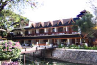 アメージング ホテルの外観