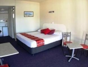 Best Western Zebra Motel - Room type photo
