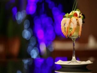 Grand Diamond Suites Hotel Bangkok - Food and Beverages