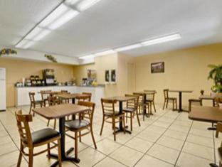 Travelodge Suites East Gate Orange Hotel Orlando (FL) - Restaurante