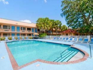 Travelodge Suites East Gate Orange Hotel Orlando (FL) - Piscina