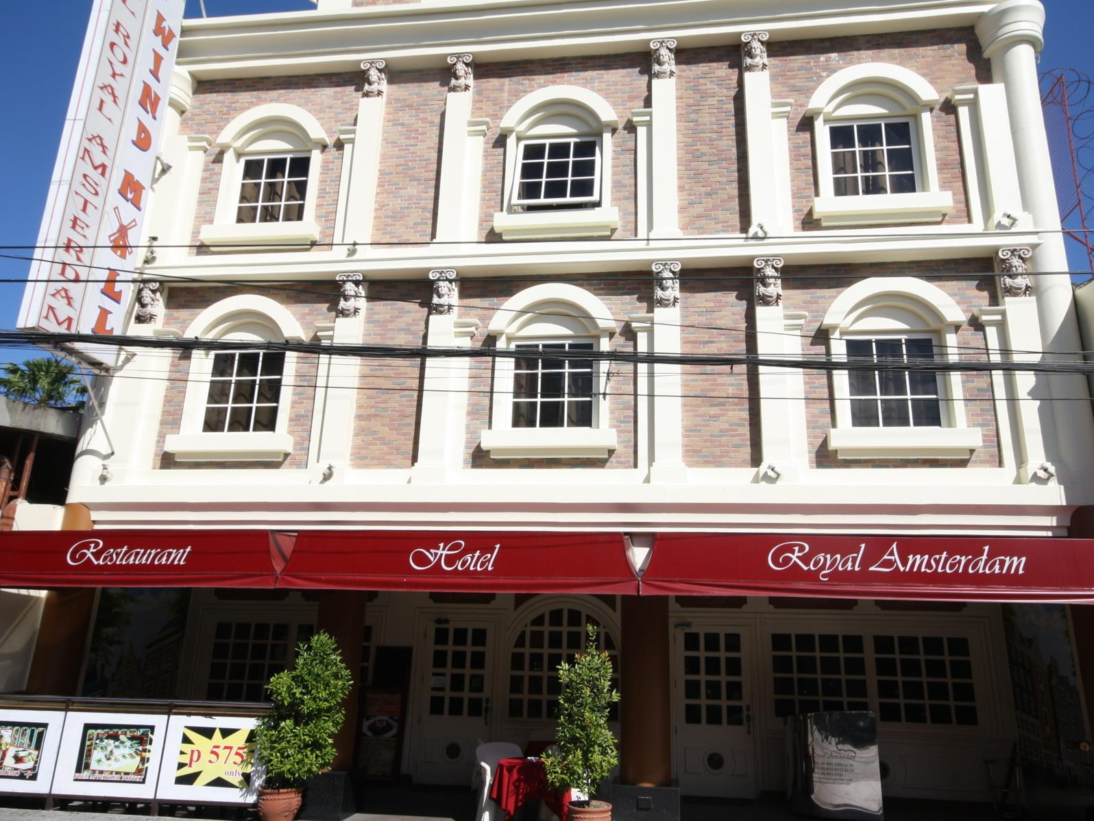 Hotel royal amsterdam malabanas angeles clark for Amsterdam low cost hotel