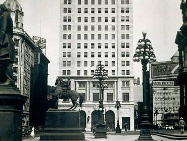 Courtyard By Marriott Philadelphia Downtown Hotel