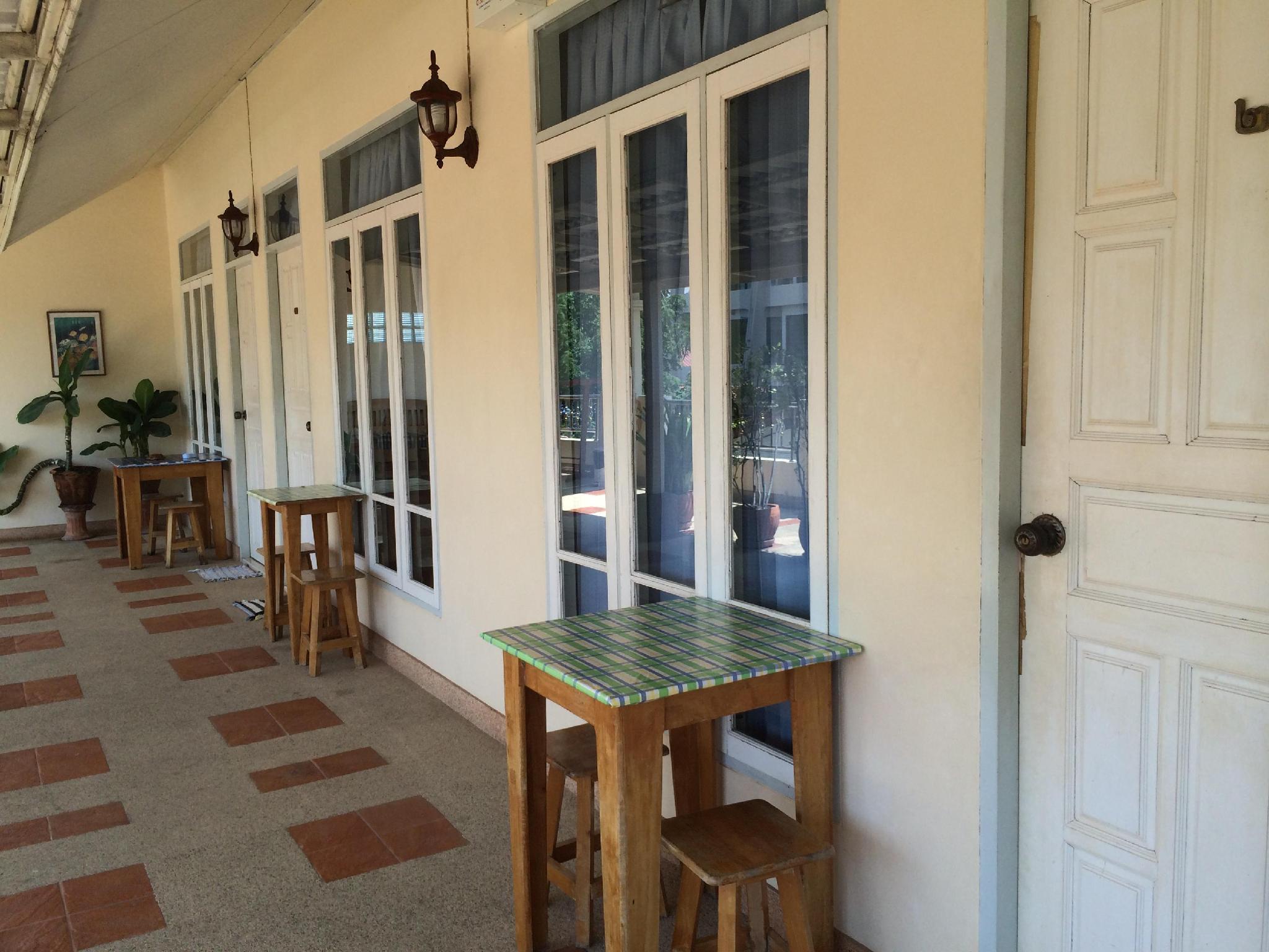Ban Bangnangrom Hotel - Hotell och Boende i Thailand i Asien