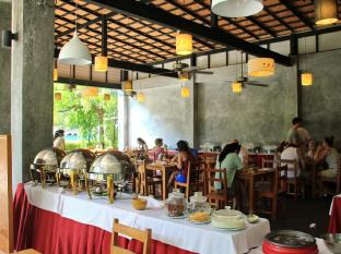 Kata Lucky Villa & Pool Access Phuket - Restaurant