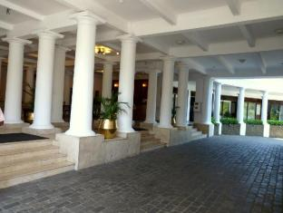 Hotel Suisse Kandy - Entrance