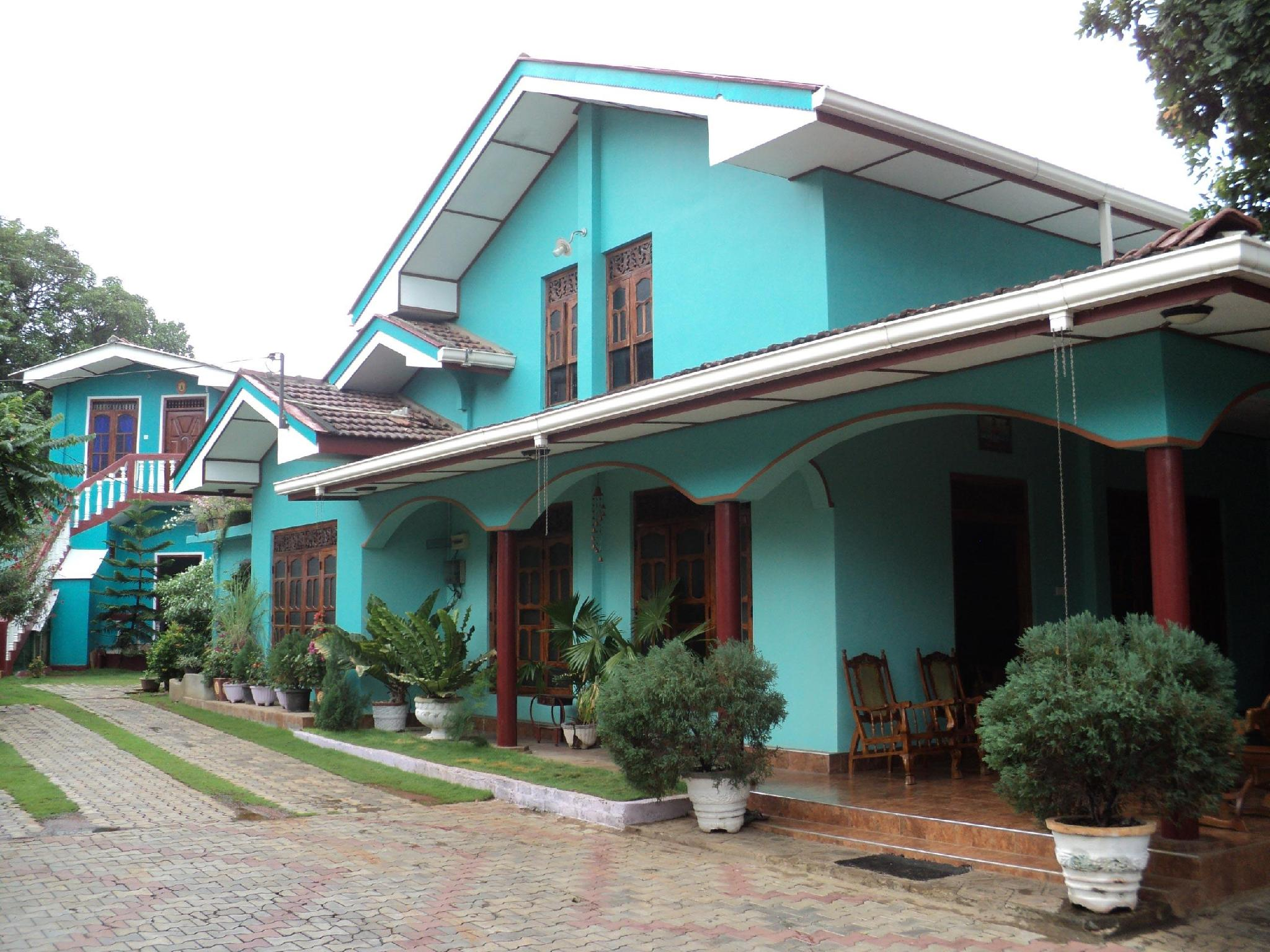 Ruwanthy Holiday Resort - Hotels and Accommodation in Sri Lanka, Asia