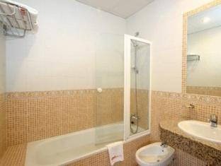 Hotel Tribuna Malaga - Bathroom