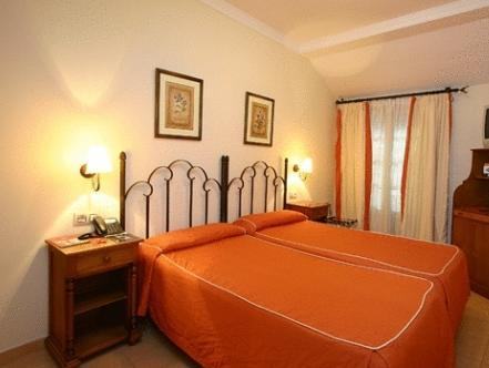 Hotel Tribuna Malaga - Double Room with Extra Bed