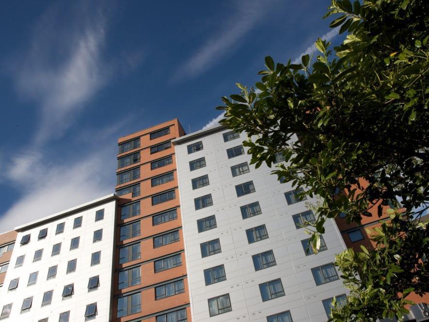 Aparthotel Roomzzz Leeds City West