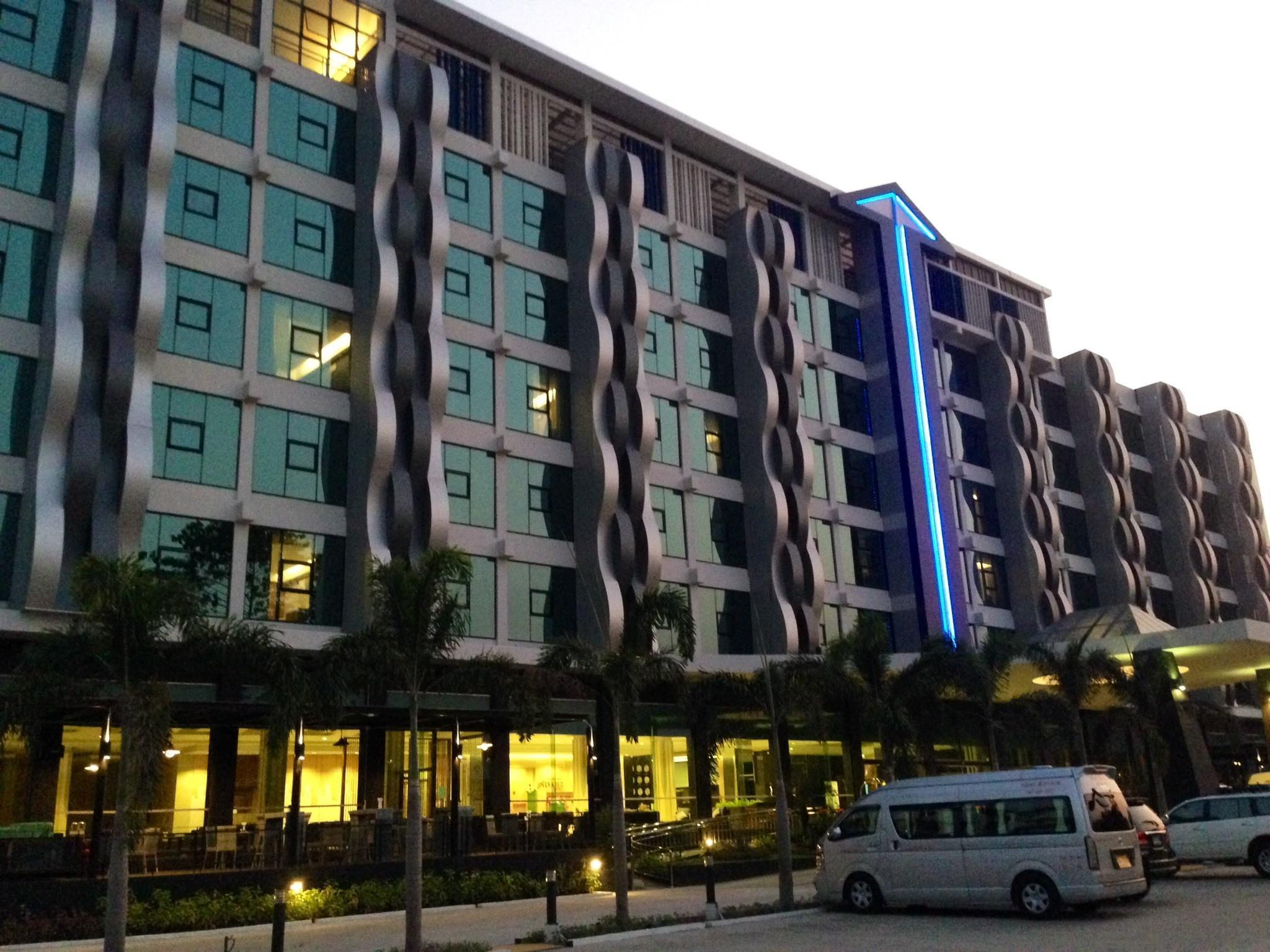 Alvarez Hotel - Buriram