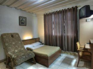 Northview Hotel Laoag - Bilik Tetamu