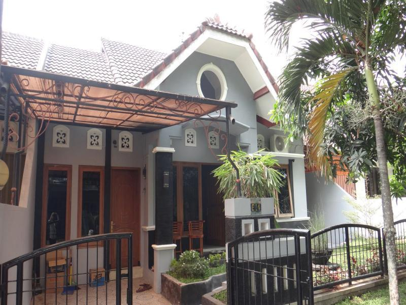 Catalia 14 Guest House - Hotels and Accommodation in Indonesia, Asia