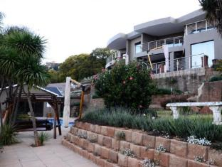 Over the Moon Guesthouse | South Africa Budget Hotels